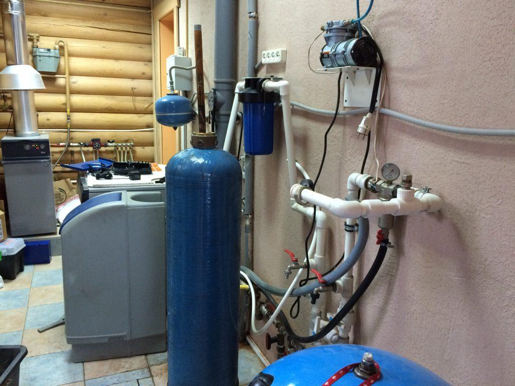 ремонт колонны для очистки воды